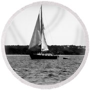 Sailing The Bay Round Beach Towel