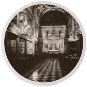 Saint Louis Cathedral New Orleans Black And White Round Beach Towel