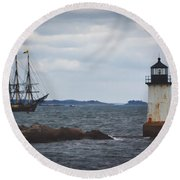 Salem's Friendship Sails Past Fort Pickering Lighthouse Round Beach Towel