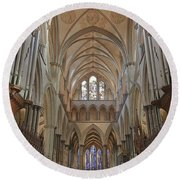 Salisbury Cathedral Quire And High Altar Round Beach Towel
