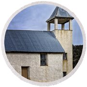 San Isidro Church Round Beach Towel