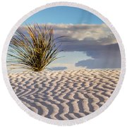 Sand Patterns And The Yucca Round Beach Towel