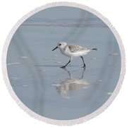 Sandpiper On A Mission Round Beach Towel
