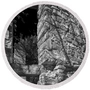 Sandstone Arch Jerome Black And White Round Beach Towel