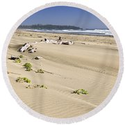 Sandy Beach On Pacific Ocean In Canada Round Beach Towel