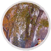 Santa Claus In The Snow Round Beach Towel