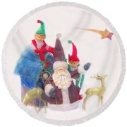 Santa Gets Ready Round Beach Towel
