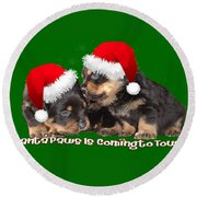 Santa Paws Is Coming To Town Christmas Greeting Round Beach Towel