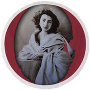 Sarah Bernhardt Photo By Nadar C.1860 Round Beach Towel