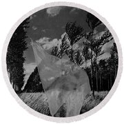 Scarf In The Winds In Black And White Round Beach Towel