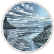 Sculptures On The Shore Round Beach Towel