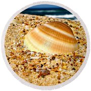 Sea Beyond The Shell Round Beach Towel
