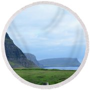 Sea Cliffs At Neist Point In Scotland Round Beach Towel