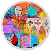 Search Of Lost Time In Venice Round Beach Towel