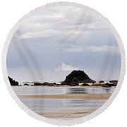 Searching For Treasures Round Beach Towel