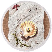 Seashell With The Pearl Sea Star And Seaweed  Round Beach Towel