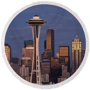 Seattle Skyline And Space Needle With City Lights Round Beach Towel