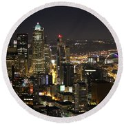 Seattle Skyline At Night Round Beach Towel