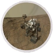 Self-portrait Of Curiosity Rover Round Beach Towel