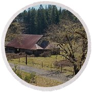 Selma Barn And Country Road Round Beach Towel