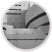 Shapes Of The Guggenheim In Black And White Round Beach Towel