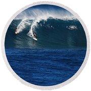 Sharing A Wave In Waimea Bay Round Beach Towel