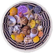 Shell Collecting Round Beach Towel