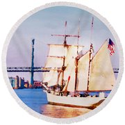 Ship Coming In Round Beach Towel