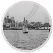 Ships And Boats In Black And White Round Beach Towel