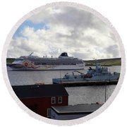 Ships In Lerwick Harbour Round Beach Towel