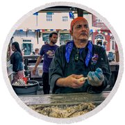 Shucking Oysters In The French Quarter Round Beach Towel