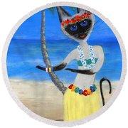 Siamese Queen Of Hawaii Round Beach Towel
