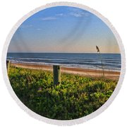 Side Of The Road In Flagler Round Beach Towel