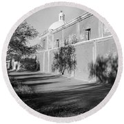 Side View Mission San Jose De Tumacacori Tumacacori Arizona 1979 Round Beach Towel
