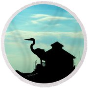 Silhouette Of A Heron Round Beach Towel