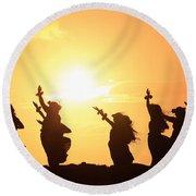 Silhouette Of Hula Dancers At Sunrise Round Beach Towel