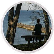 Silhouette On The Hill Round Beach Towel