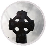 Silhouetted Celtic Cross Round Beach Towel