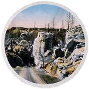 Silver Gate Road Yellowstone Np Round Beach Towel