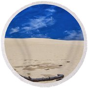 Silver Lake Dune With Dead Tree Branch And Cirrus Clouds Round Beach Towel