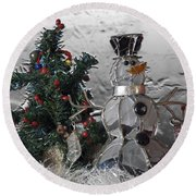 Silver Snowman With Christmas Tree Round Beach Towel