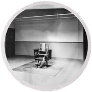 Sing Sing Electric Chair Round Beach Towel