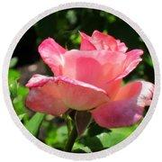 Single Pink Rose Round Beach Towel