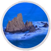 Sirenas Round Beach Towel