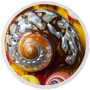 Six Snails Shells Round Beach Towel