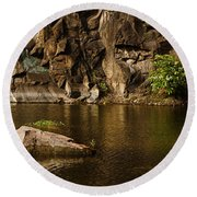 Skc 2964 The Rustic Rocks And Ripply Waters Round Beach Towel