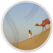 Skn 0950 Down The Dune Round Beach Towel