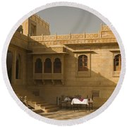 Skn 1322 Palatial Architecture Round Beach Towel