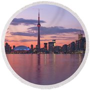Skyline At Dusk From Centre Island Round Beach Towel