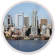 Skyline Of Seattle Round Beach Towel